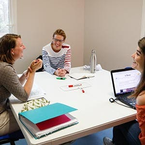 Cours de langue étrangère en groupe à La Rochelle, en Charente-Maritime